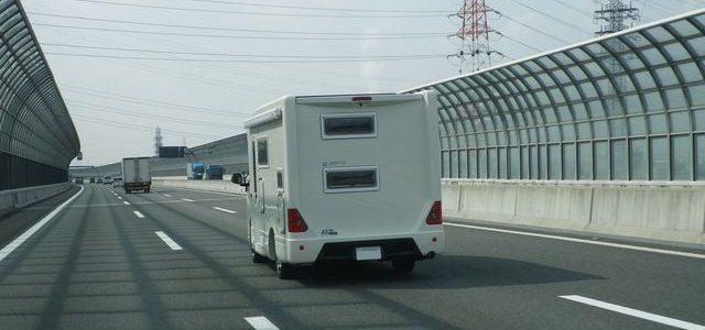 日本のキャンピングカー総保有台数は何台?
